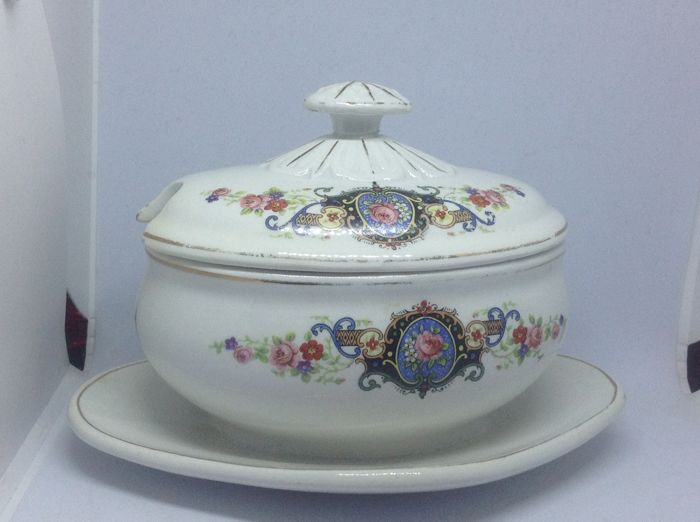 Ceramic serving bowl with floral decoration Società Ceramica Italiana, Laveno