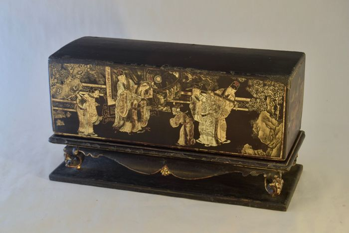 Gilded & Lacquered Wooden Offering Box (Chanab) - China for the Straits - China - 19th century