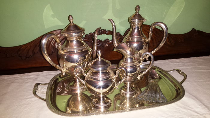Silver Tea and Coffee service with Tray and Teaspoons, Braganti Antonio. Florence, active since 1965