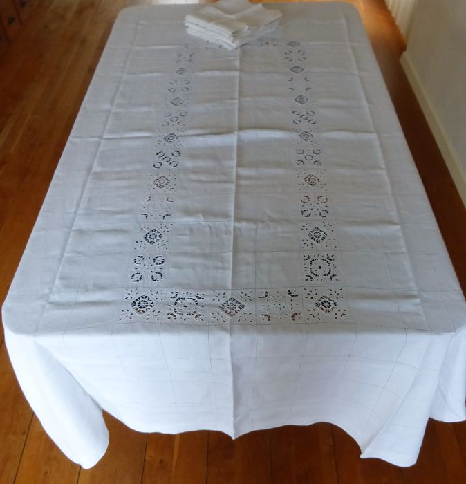 Large tablecloth with 8 matching napkins - Linen openwork embroidery of drawn thread - complete handwork - 1920-1949