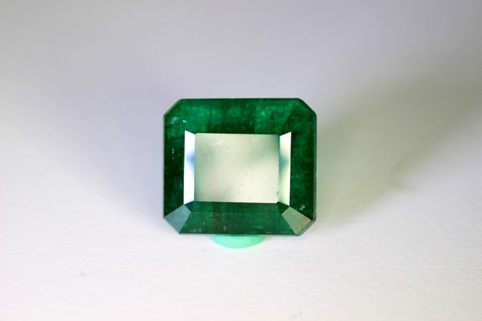 Deep Green Emerald - 12.50 ct