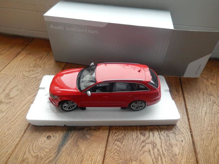 Minichamps - Scale 1/18 - Audi RS6 Audi Misano red