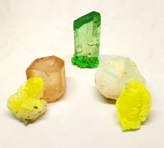 Beautiful of Topaz, Aquamorganite, Kunzite and Brucite crystals - 92 gm (5)