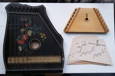 Accords zither - Jubeltöne - Germany - 1960 and children's zither - Russia