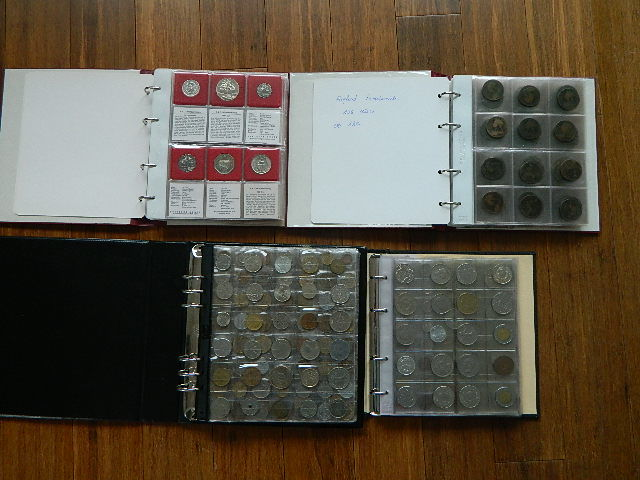 World – 4 coin stock books, F.A. O., Old England, France, the world (730 coins)
