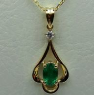 14Ct Yellow Gold Chain (50 cm) and Emerald Pendant with Diamond