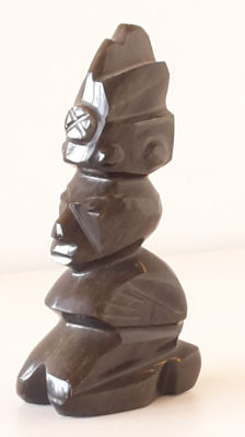 Carved and Polished goldflake obsidian statue - 178 gm