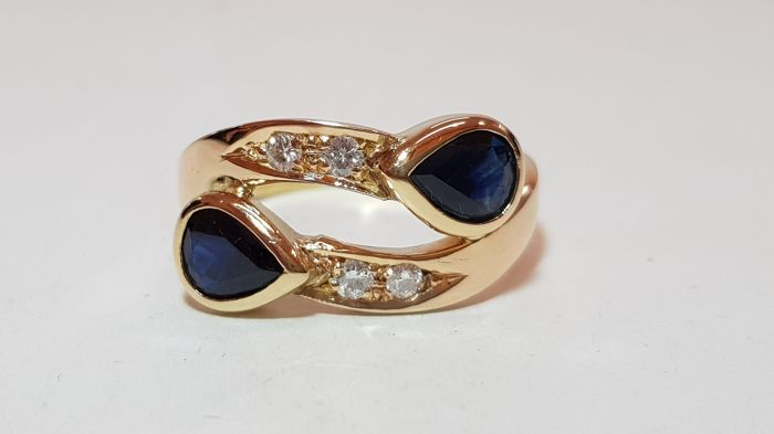 18K yellow-gold ring with sapphires and diamonds