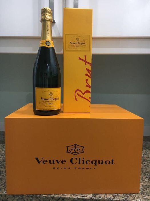 Veuve Clicquot - Champagne Wine Storage Rack - 1 - Wood