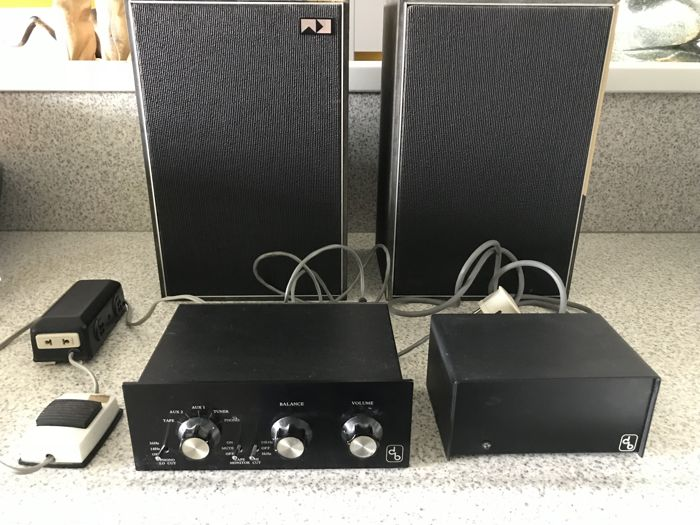 DB Systems preamplifier with 2 Servo Sound KM30 speakers containing the power amplifier