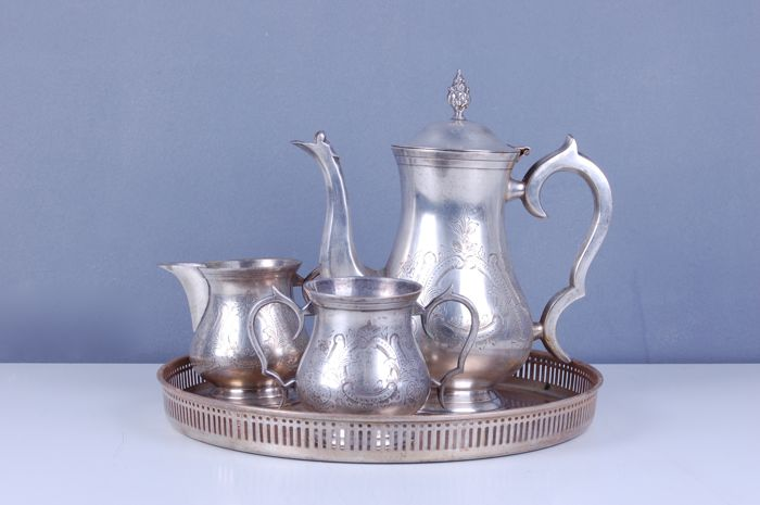 4-piece tea set in silver plated brass.