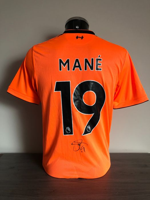 promo code f7dde 92308 Sadio Mané signed Liverpool Fc alternative shirt 2017-2018 with photos of  the moment of signing and COA - Catawiki