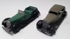 Dinky Toys - schaal 1/43 - 4-zitter met chassis 1948 - 1950 + Rolls- Royce chassis 1946 - 1947