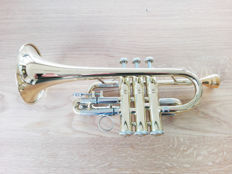 Bach Stradivarius piccolo trumpet in G with Kornettschaft SN 383763 USA 1994