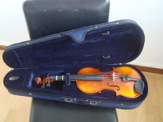 Nicely Crafted Violin. No Brand. France. From the 80s