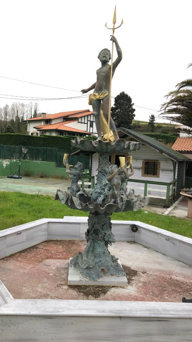 Garden fountain made of bronze depicting Neptune with 3 aquatic nymphs and fish - around 1950