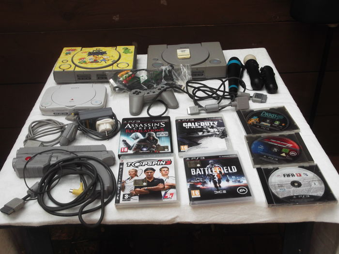 3 x Playstation One - gun Namco - and eveythings in the pics