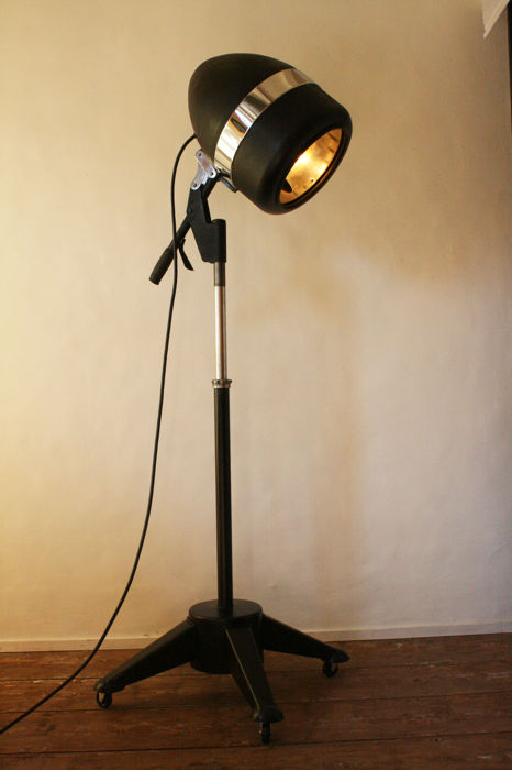 Charles Alexander - Lamp, industrial design - recycled vintage salon hair dryer