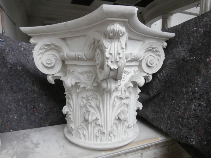 Decorative capital - Corinthian style