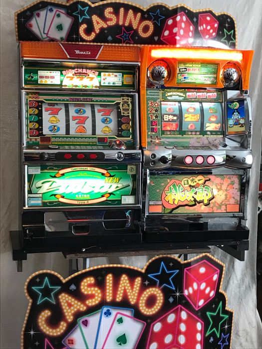 Slot Machine Pachislo Pulsar and Bellco Witch 250 Chips - 2000