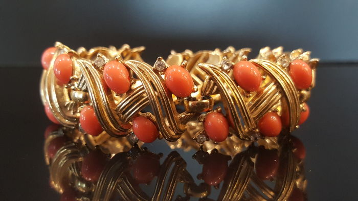 Vintage Crown Trifari Alfred Philippe faux Pearl Bracelet from 1940's