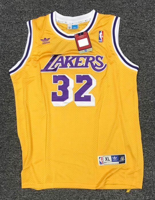 official photos 309dc 93c2f Autographed Earvin Magic Johnson Los Angeles Lakers Adidas ...