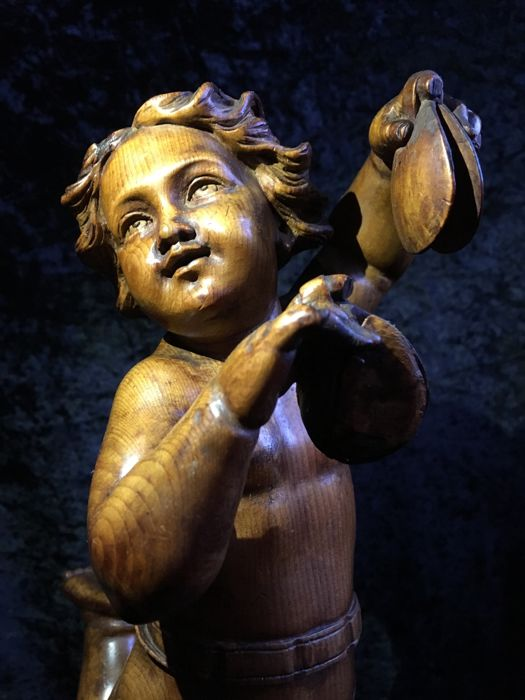 Putto playing castanets - Wooden statue - Germany - 19th century