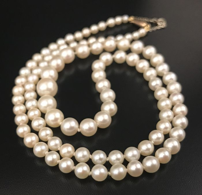Ravishing necklace of real cultured Akoya pearls with clasp and small chain in 18 kt gold ** NO RESERVE PRICE **