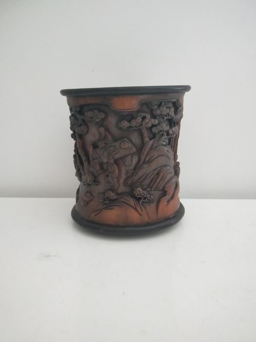 "Bamboo ""bitong"" finely carved with people - China - late 20th/21st century"