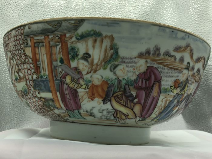 A large punch bowl,  Qianlong Famille Rose export , 18th C