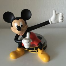Disney - Peter Mook - Mickey Mouse sitting on a film roll - Resin figurine - 2000's