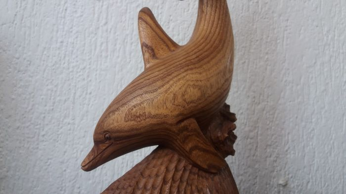 Completely new Large hand made solid wooden sculpture - playing dolphins - Catawiki KQ98
