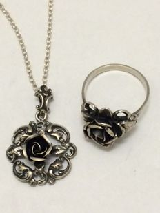 835 Silver pendant on a 925 necklace and a 925 ring - Theodor Klotz - Pforzheim - length 56 cm - ring size 19.5 mm