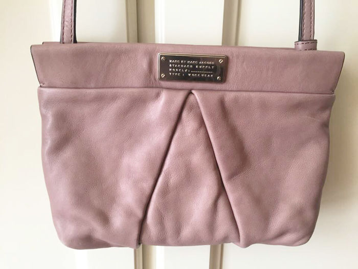 e4e38b1a554 Marc Jacobs - Pink clutch bag in leather - Catawiki