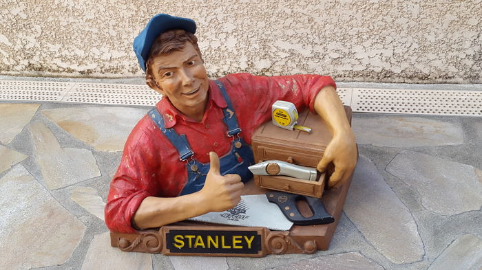 Superb display for STANLEY tools. Display in resin for hardware stores. Vintage 1960