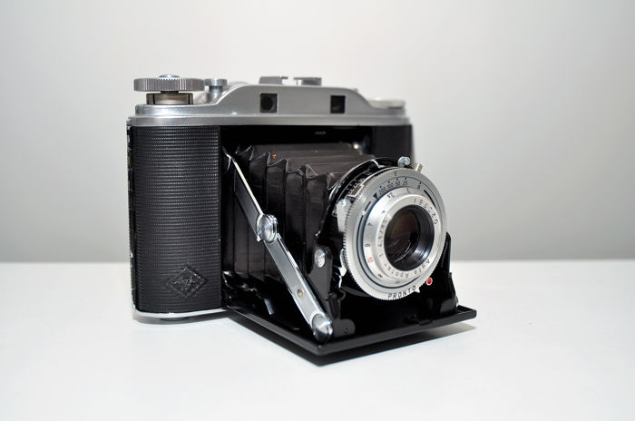 AGFA ISOLETTE ||| 6 X 6 CM ROLL FILM CAMERA WITH NON-COUPLED RANGEFINDER