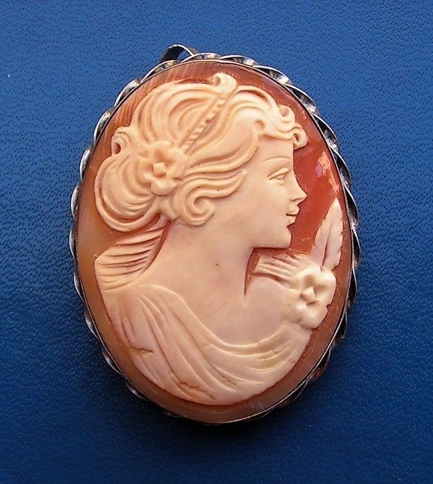 """Silver pendant/brooch - Beautiful profile """"of a young girl"""" on genuine cameo."""