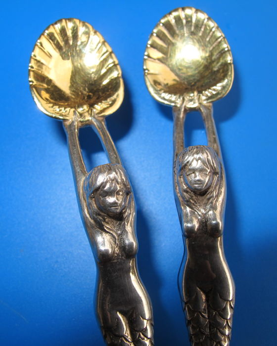 2 Silver & Gold plated caviar spoons in the shape of mermaids, 18 carats & 2 Topazes 0.80 ct - 80 g - 1999 - Duc de Guise Cutlery - Creator P. GUISES - France