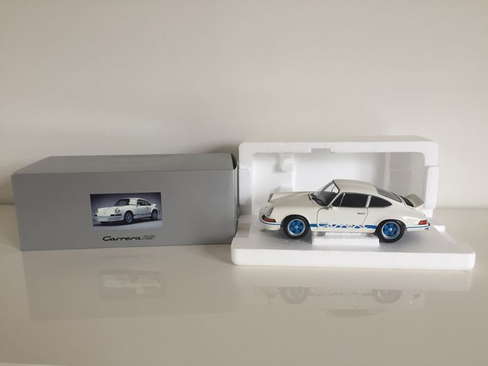 Minichamps-Porsche Design Driver's Selection - Schaal 1/18 - Porsche Carrera RS 1973 - Wit / Blauw