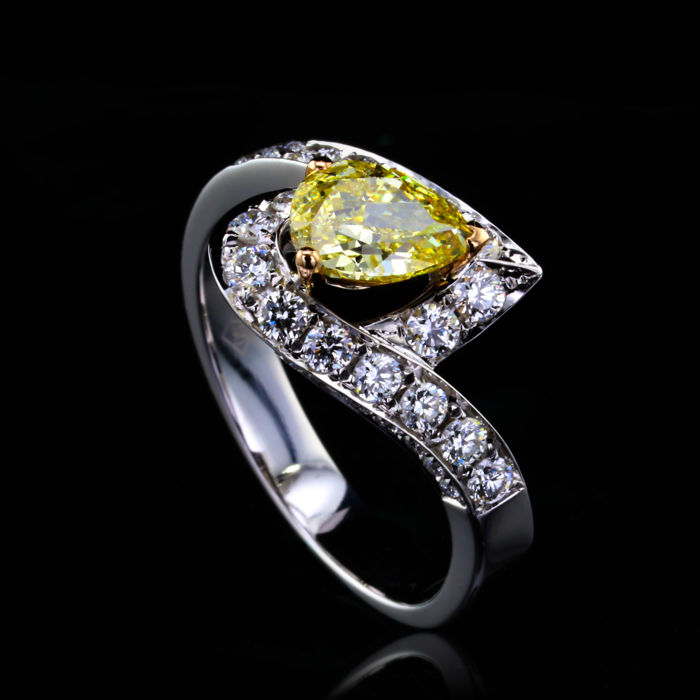 2.53 ct Diamonds, Engagement Ring With Natural Fancy Yellow Diamond 18K White Gold