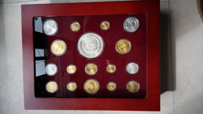 Spain - Case with 17 coins - Silver