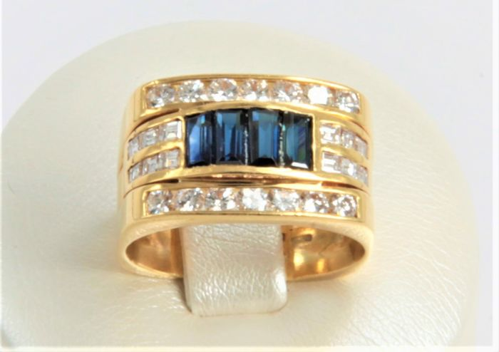 Ring with diamonds and sapphire - weight 10 g - size 17 IT