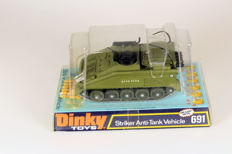 Dinky Toys - Schaal 1/43 - # 691 Striker Anti Tank Vehicle