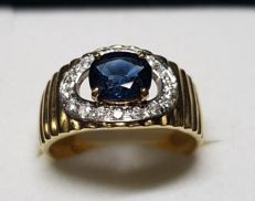 Gold ring with sapphire and diamonds ***NO RESERVE PRICE***