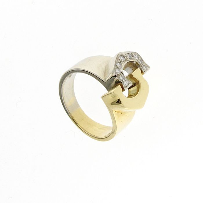Contrarié ring in white and yellow gold with diamonds