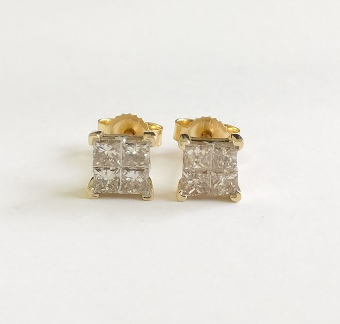 A 14k Gold Certified New Ladies Earrings with Princess cut Diamonds total 0.63 ct  *** No Reserve ***