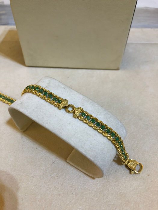 Bracelet in 18 kt yellow gold with emeralds for 3.5 ct