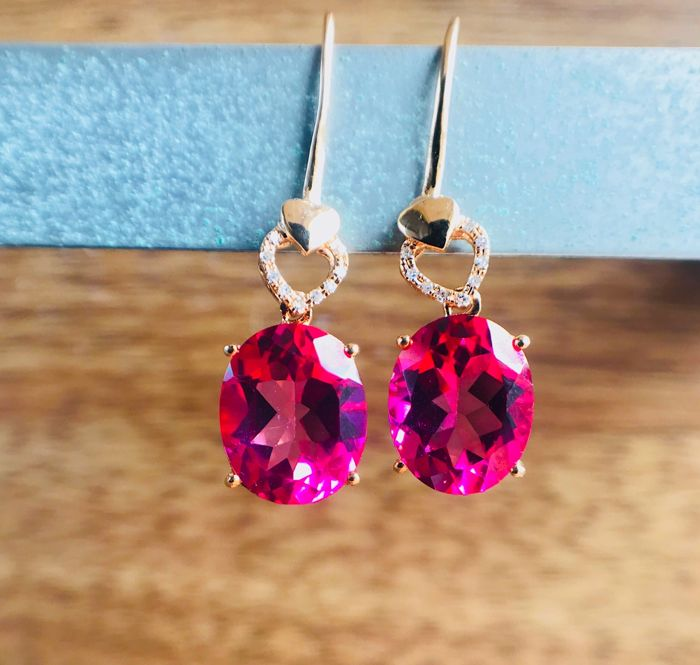 18k gold earring with Pink Topaz  6.0ct.  length 3cm - No Reserve price
