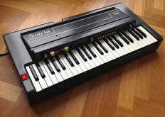 GRACIA 'REMI' Vintage Portable Analogue Combo Organ - Collector's Item from the 1970s