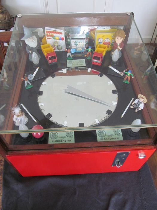 Unique carnival clock game machine